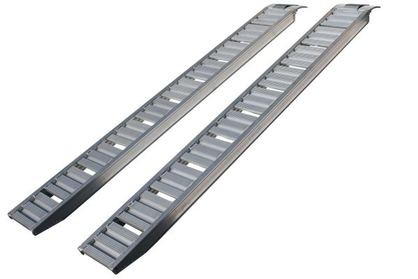 trailer-driving-ramps-91010